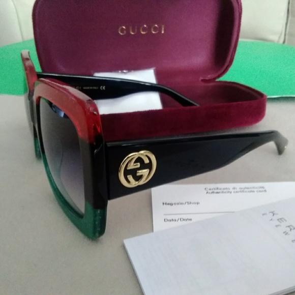 4d586895a9 Gucci Accessories - New Women authentic oversized Gucci Sunglasses